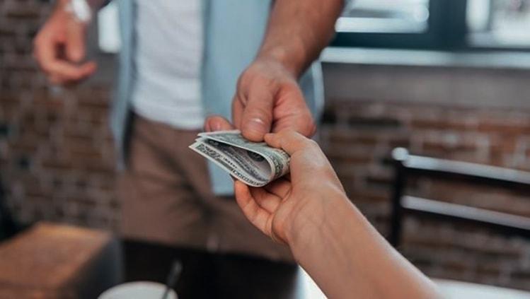 skolintis pinigų kelionės srovė rodyti valiutos forex banką)